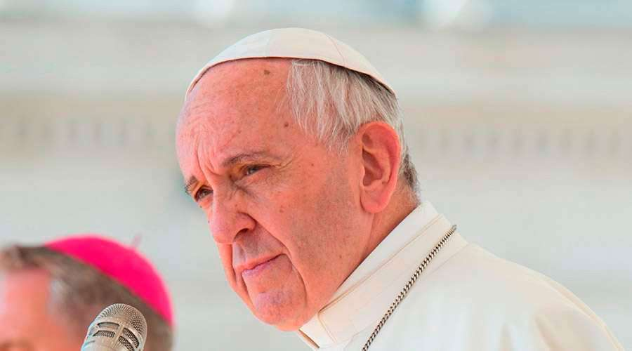 Pope Francis meets with sex abuse victims in Chile