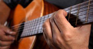 guitar-playing-0023
